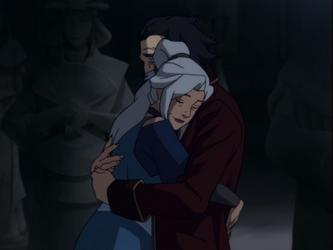 File:Kya and Bumi hug.png
