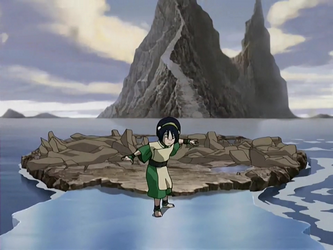 File:Toph walking on ice.png
