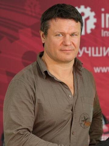 File:Oleg Taktarov.jpg