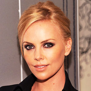 File:1009-charlize-theron-fashions-night-out-300.jpg