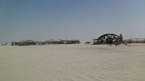 Star-Wars-Epsiode-VII-set-photos-in-Abu-Dhabi (6)