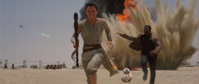 File:Finn Rey and BB-8 running.jpg