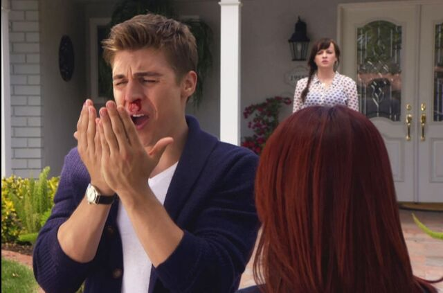 File:Tamara gave Collin a broken nose.jpeg