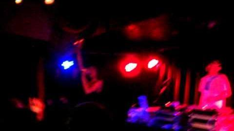 Azealia Banks - Tell Me (Groove Theory a capella cover) Runnin' Dublin 2012