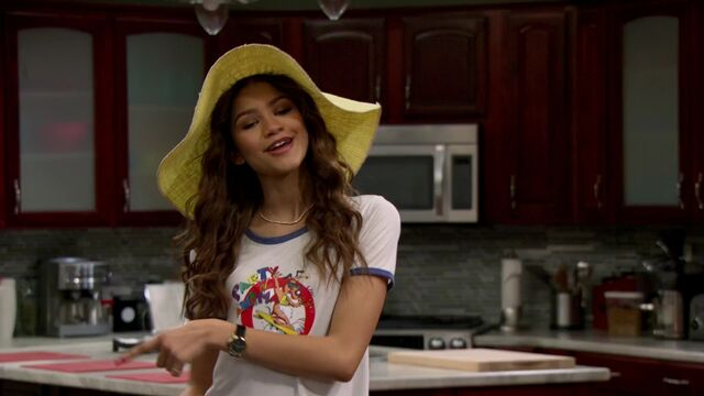 File:K C Undercover S01E13 The Stakeout Takeout iT1080p m4v 000019644.jpg