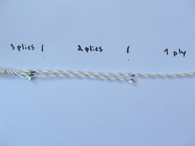 File:Making three-ply eye-splice - 21.jpg