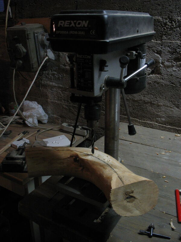 Making the crescent-shaped piece from a curved piece of wood - 04
