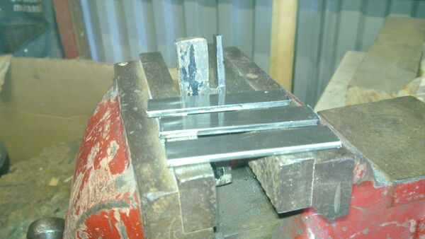Making pi-brackets - 01