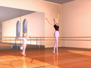 Barbie in the Nutcracker Barbie Kelly Ballet Studio 1