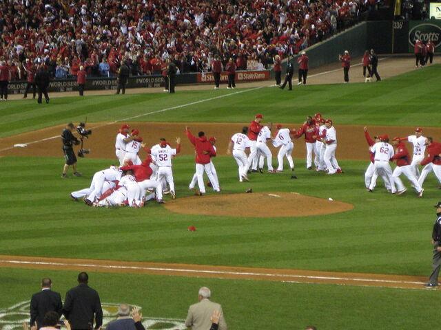 File:World Series 2011 Cardinals Victory Pile.jpg