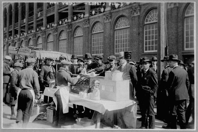 File:Ebbets field 1920.jpg