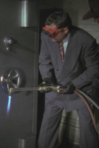 File:Batman 1989 - Napier Hood with Cutting Torch.jpg