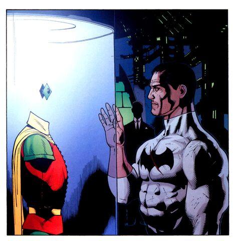 File:Bruce Wayne 048.jpg