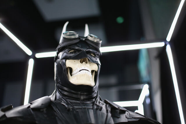 File:SDCC2014-Batman-Cape-Cowl create Art Exhibit 452635938.jpg