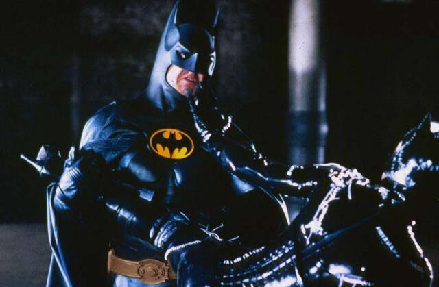 File:Batman Fights Catwoman.jpg