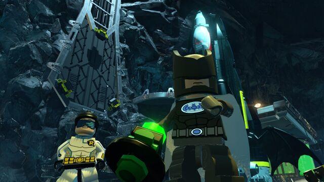 File:LEGO Batman 3 Sonar Batman Techno Robin.jpg