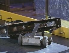 Deathtrap vs Rott-Bot