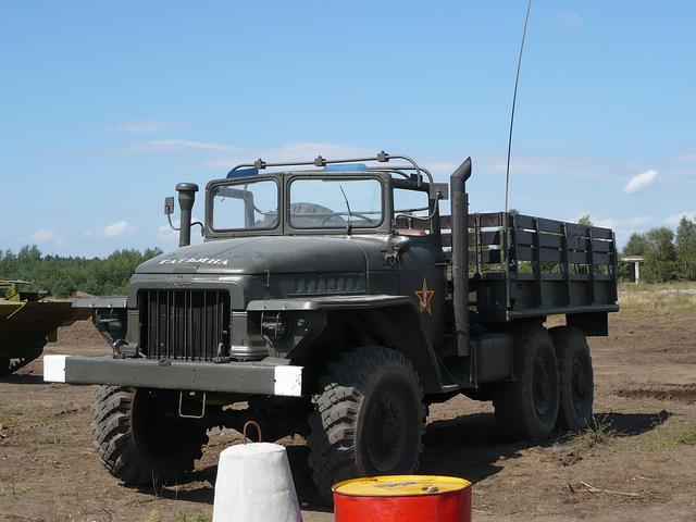 File:Ural 375D truck.png