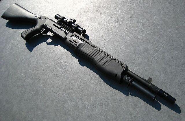 File:800px-Franchi SPAS-12 Shotgun.jpg