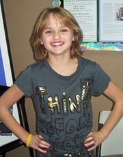 220px-Joey King 2010