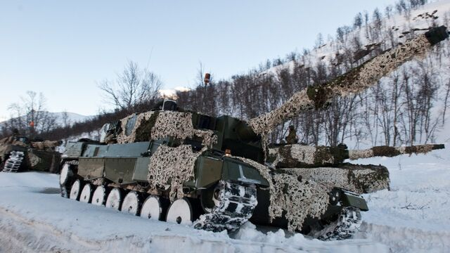 File:Leopard2Winter.jpg