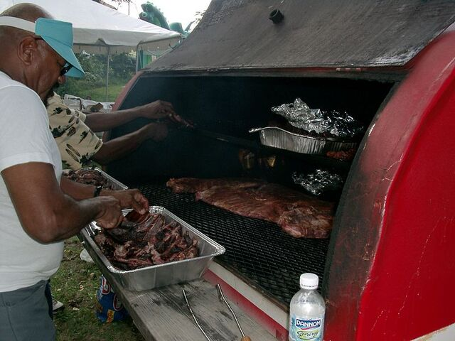File:800px-Barbeque block party Kansas city.jpg