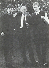 File:Paul with his dad and brother.jpg