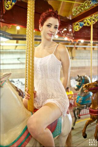 File:Carousel by susancoffey-d4kr1e4.jpg