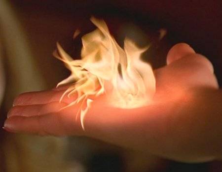 File:Claire watches pyrokinesis.JPG