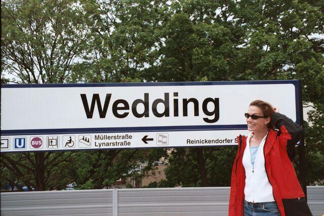 Datei:167-Wedding stop on the S-B.JPG