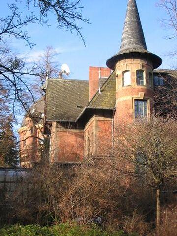 Datei:Villa Anna Wasserturm.JPG