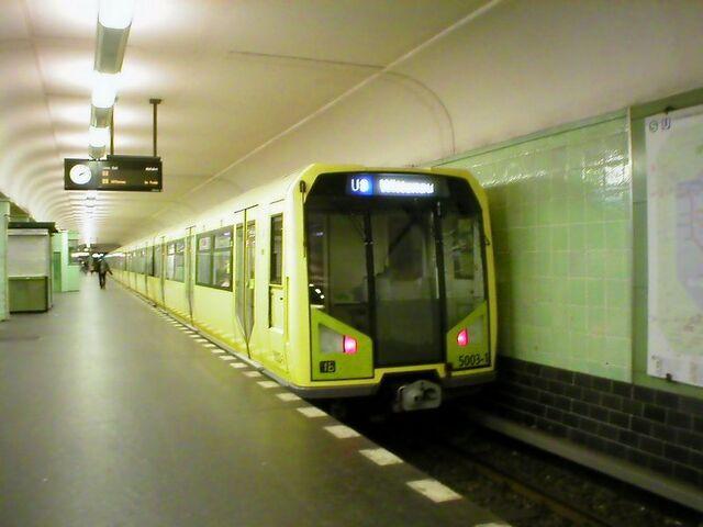 Datei:U-Bahn Berlin Zugtyp H.JPG
