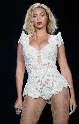 File:Beyonce MIA Festival.jpg