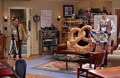 File:BBT - Huge pretzel.jpg