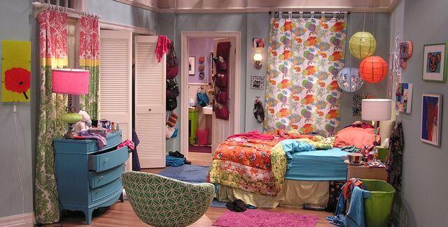 File:Pennys bedroom.jpeg
