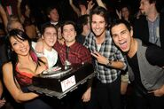 Kendall-Schmidt-celebrates-his-birthday-with-Big-Time-Rush-castmates-at-TAO-