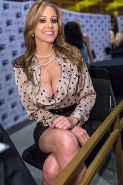 Julia Ann AVN Expo 2015