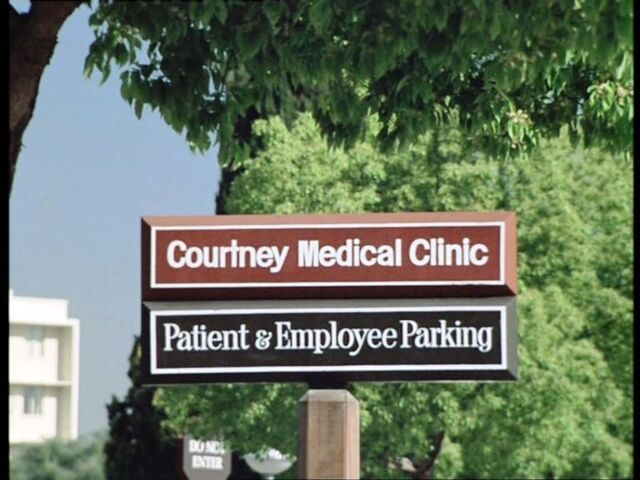File:Courtney clinic sign.jpg