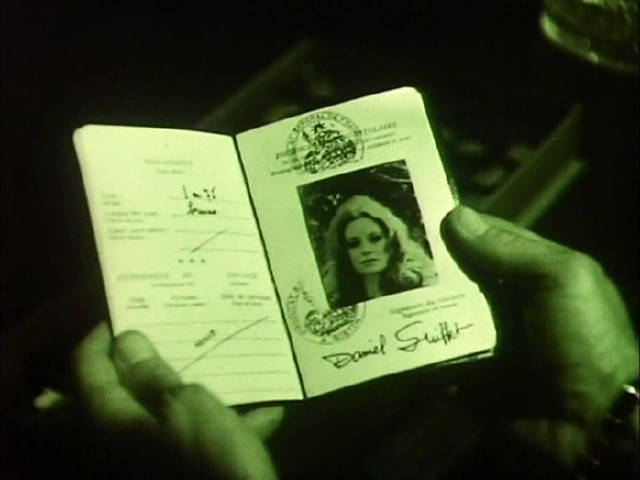 File:Contessa passport.jpg