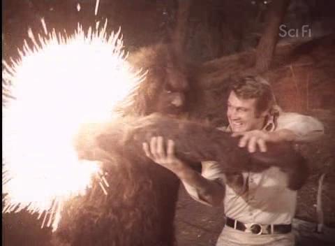 File:Der 6-Millionen-Dollar-Mann - S03E16 - Bigfoot Und Die Ausserirdischen - Teil 1.avi 001679560.jpg