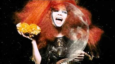 Björk moon