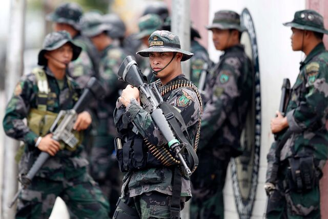 File:Police soldier army.jpg