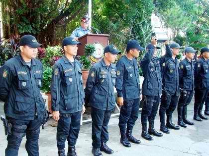 File:SWAT police agents.jpg