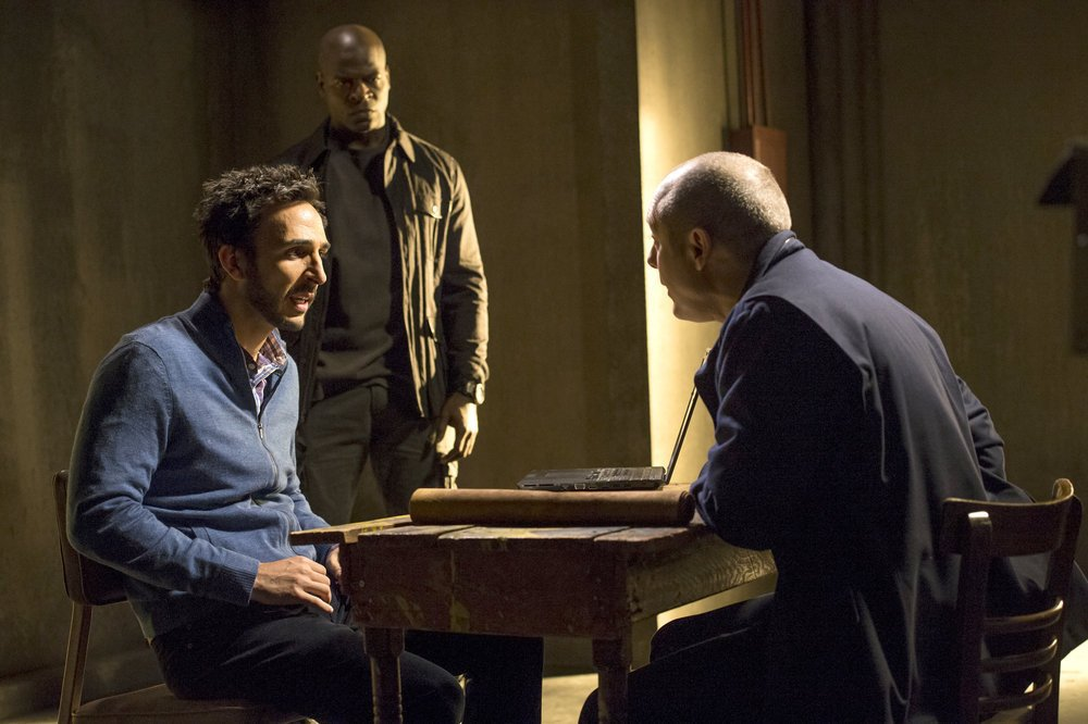 File:The Blacklist - Episode 1.11 - The Good Samaritan Killer - Promotional Photos (8) 595 slogo.jpg