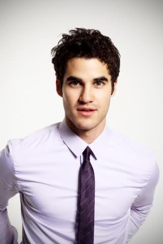 File:Darren Criss white shirt pruple tie.jpg