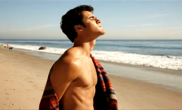File:DarrenSexy34.png