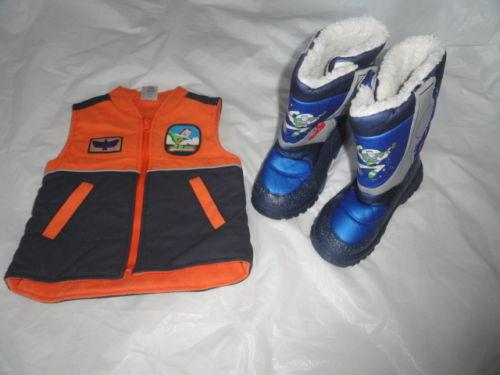 File:Vest-boots.JPG