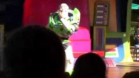 Club Buzz Stage (1 of 2)