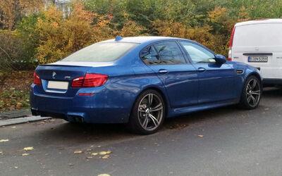 Blue BMW M5 (F10) rr