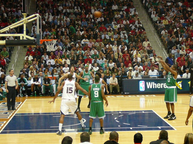 File:Leon Powe Free Throw.jpg